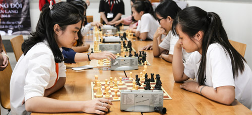 Van Lang University Chess Club: Ending the year of 2018 with many remarks