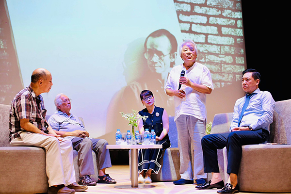 "Family of Trinh Cong Son musician agree the name the auditorium ""Trinh Cong Son"" at 3rd campus of Van Lang University"